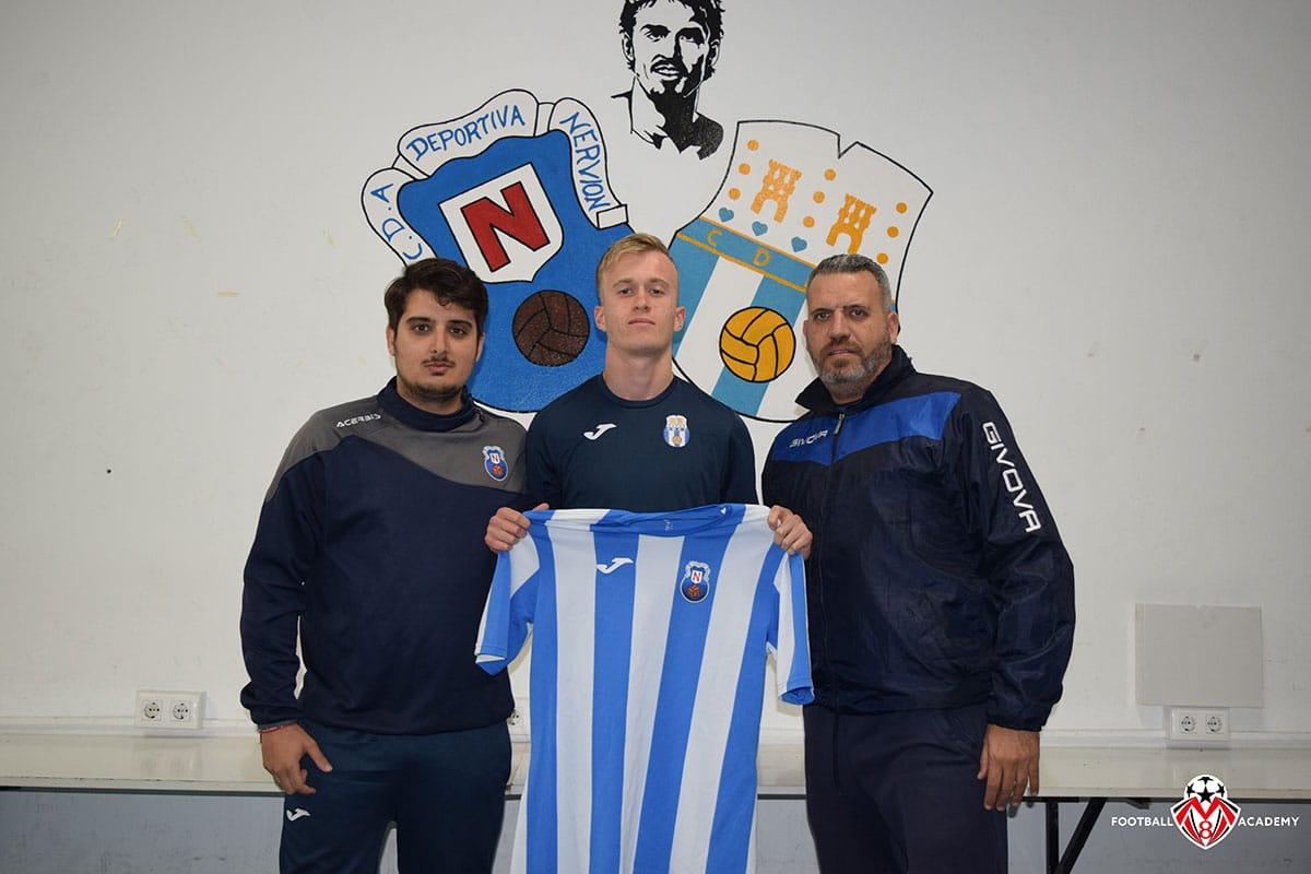 Alexis Perino signed for Nervion Division de Honor